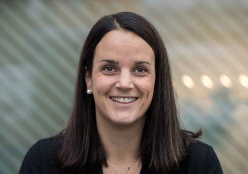 Caroline Myhre Kjeve, kundesenter og salg i SML Lighting