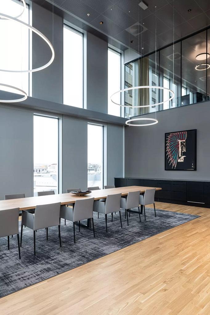 Møteromsbelysning i Orklas hovedkontor på Skøyen