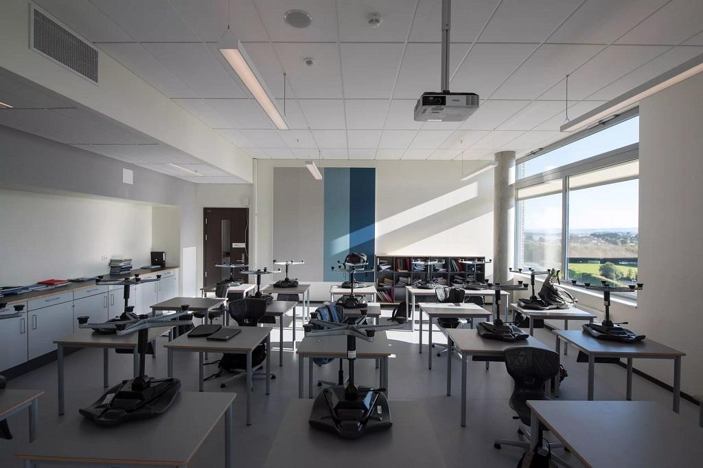 Belysning i klasserom på Harestad skole