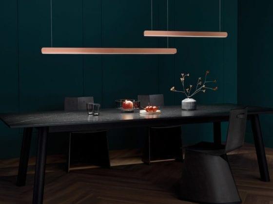 Takbelysning over spisebord fra Occhio