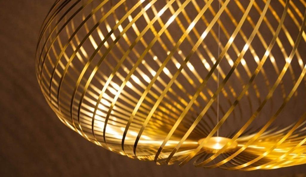 Spring taklampe fra Tom Dixon