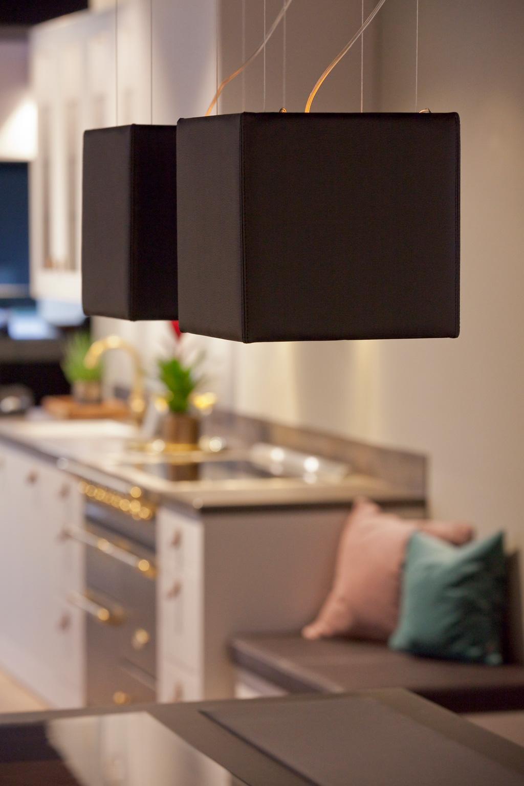 Taklamper i kjøkkenmiljø
