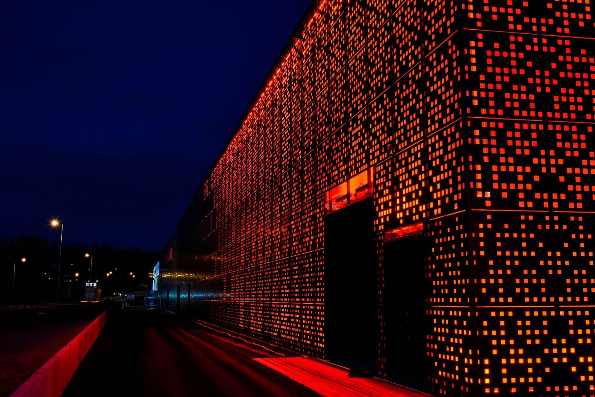Griven utebelysning på Töckfors Shoppingcenter