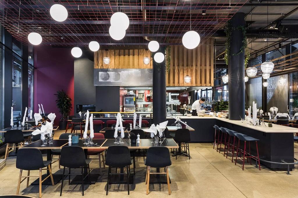 Belysning i restaurantområde