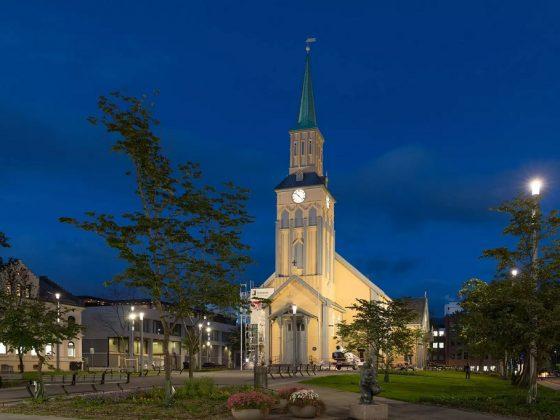 Utebelysning ved Kirkeparken i Tromsø