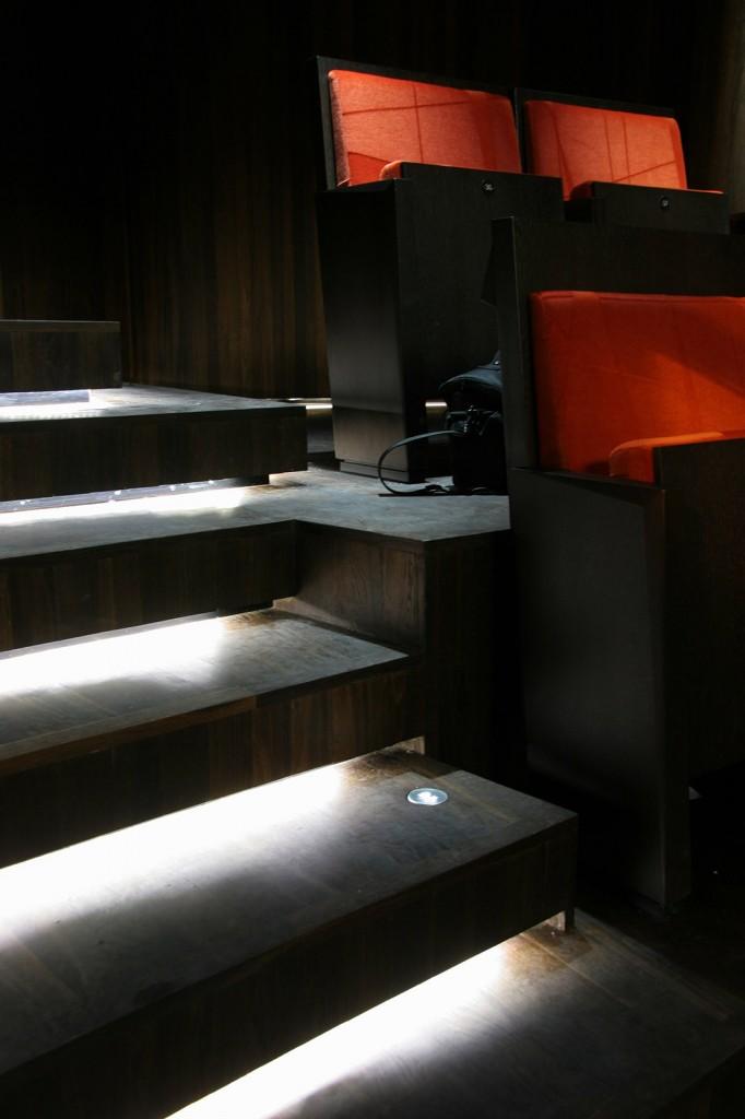 Belysning i trapp på Operahuset i Oslo