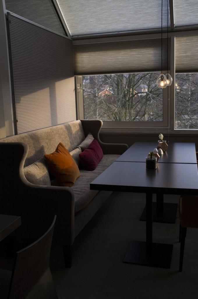 Belysning ved spisebord på Bø Hotell