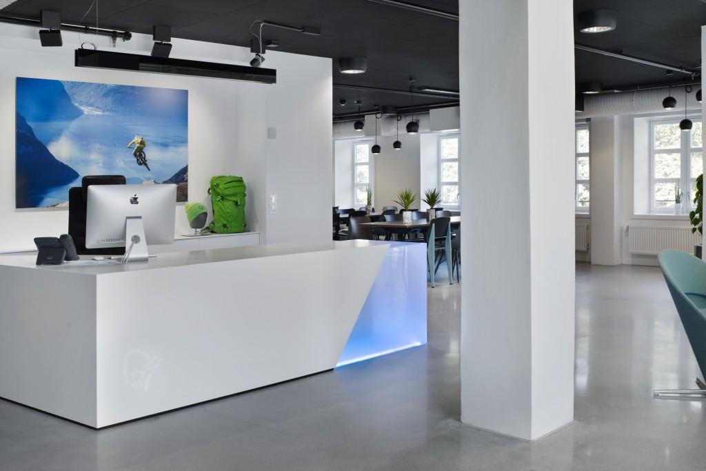 Kontorbelysning hos Norrøna Sports hovedkontor
