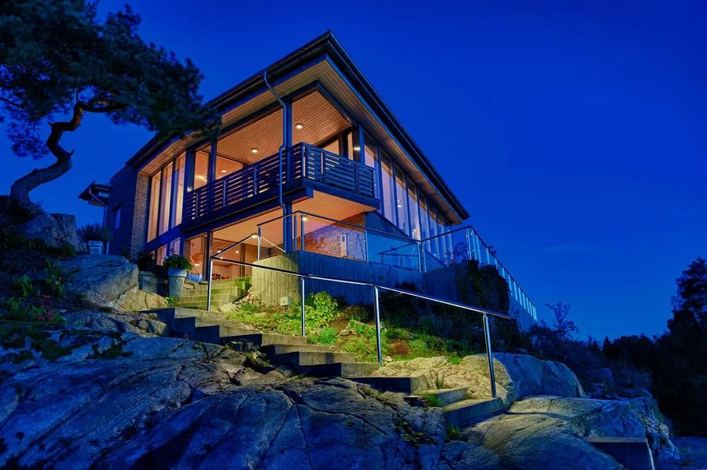 Fasadebelysning på hytte