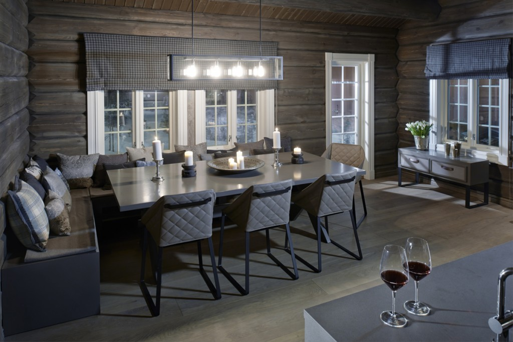 Belysning i spisestue i hytte på Hafjell