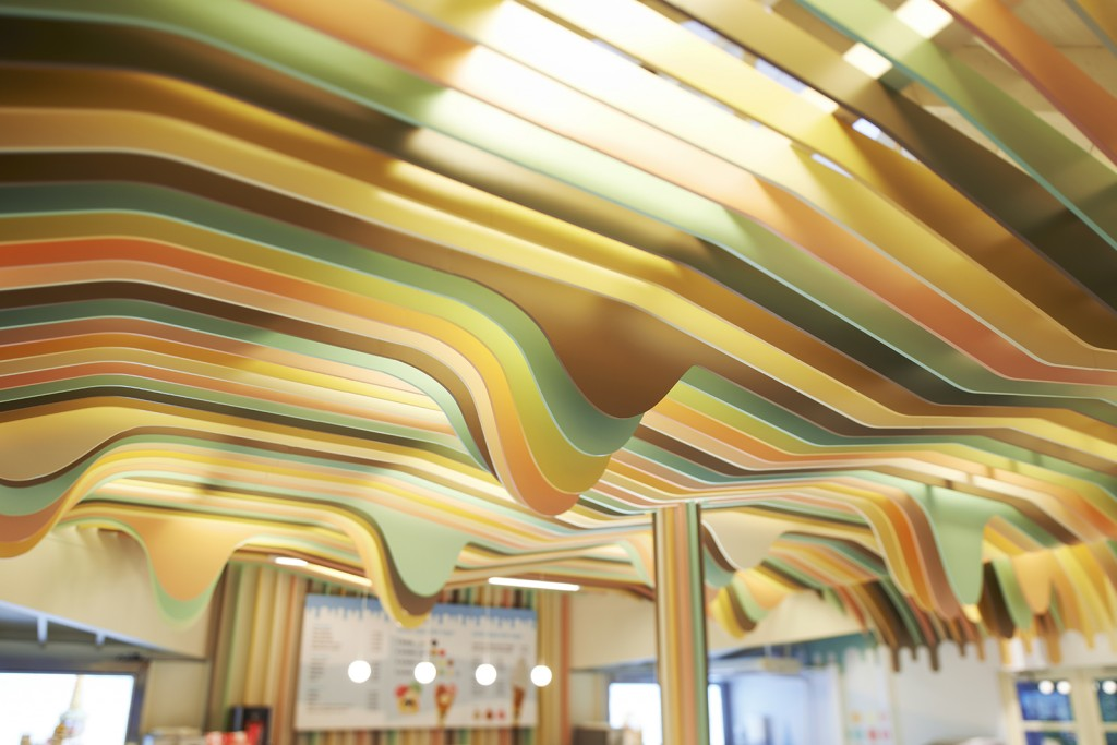 Belysning i Diplom-is butikken på Tusenfryd
