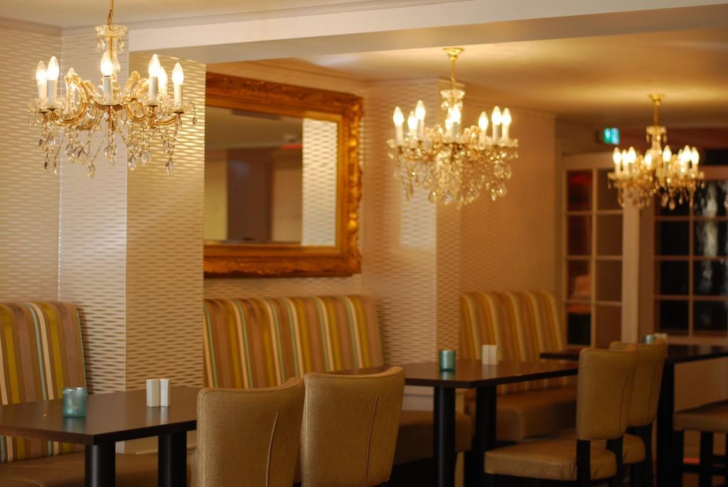 Belysning i spiseområde på Thon Hotell Slottsparken