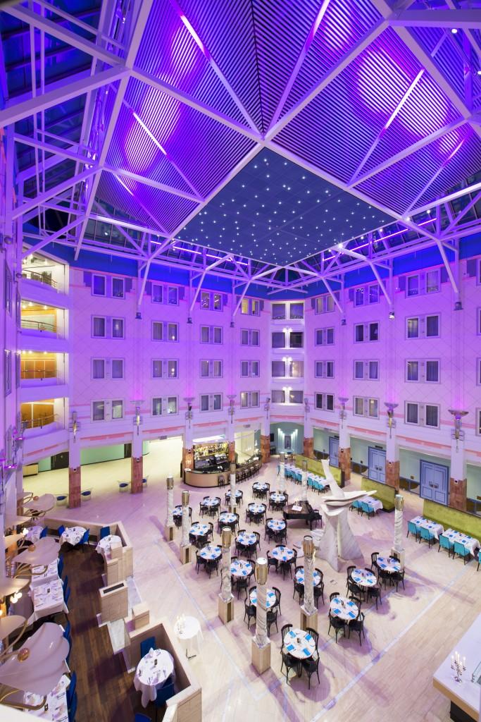 Belysning i spiseområde på Thon Hotell Oslofjord