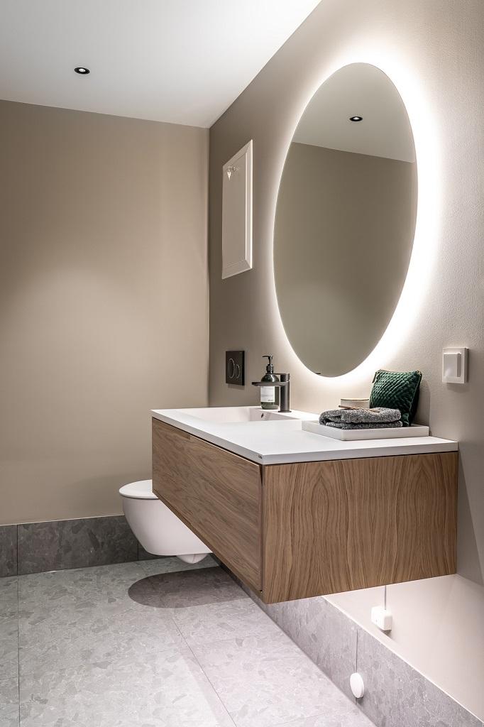 LED integrert i møbler i baderom