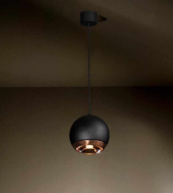 Berrier taklampe fra TAL