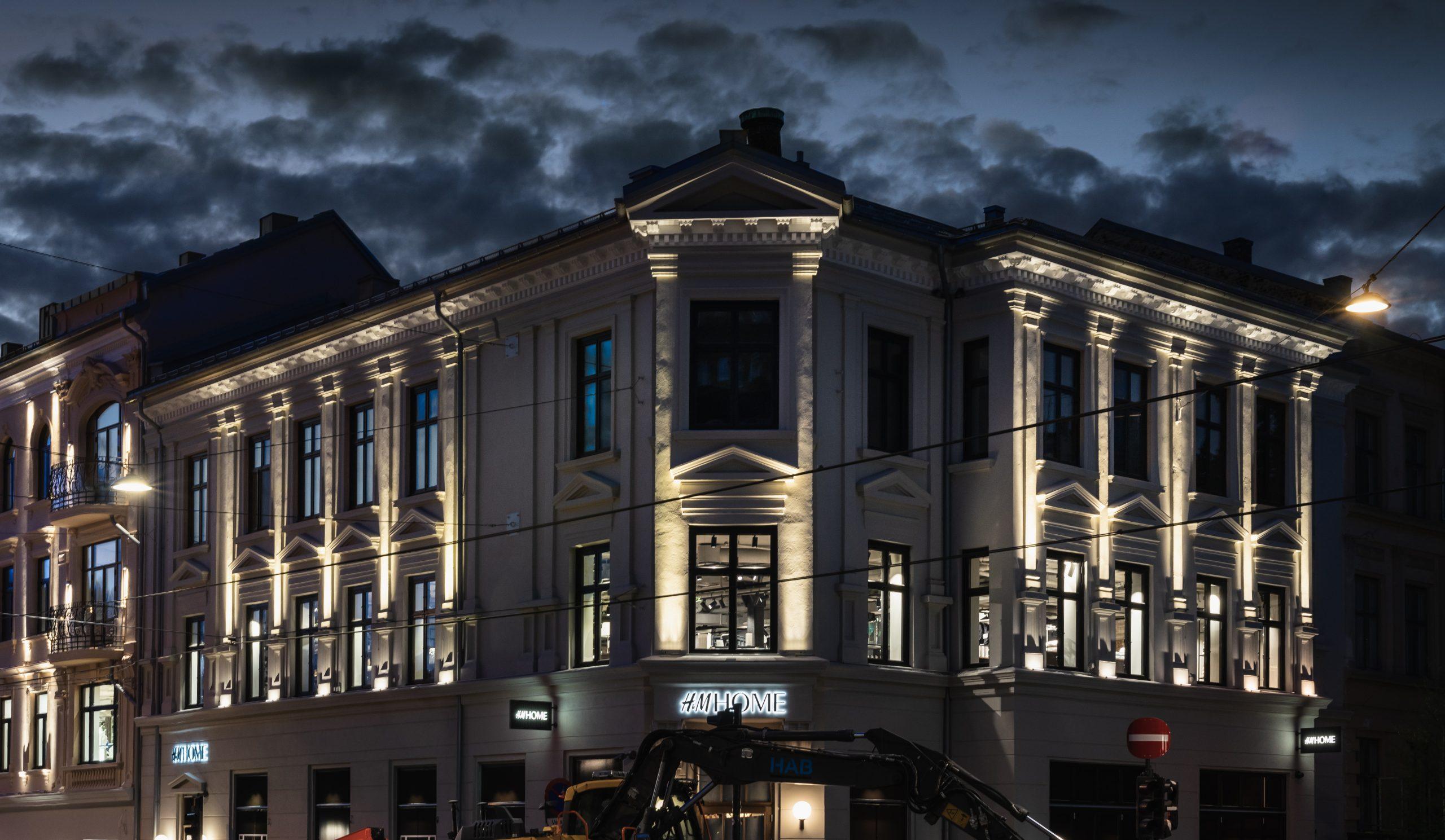Fasadebelysning til Valkyrien senter i Oslo av SML Lighting