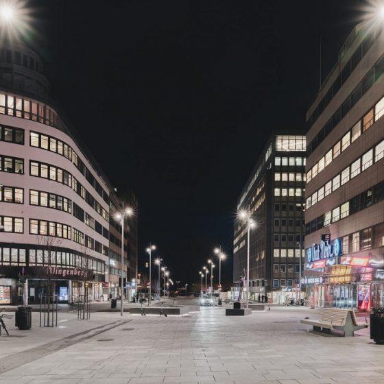 Utebelysning i Olav Vs gate og Klingenberggata i Oslo