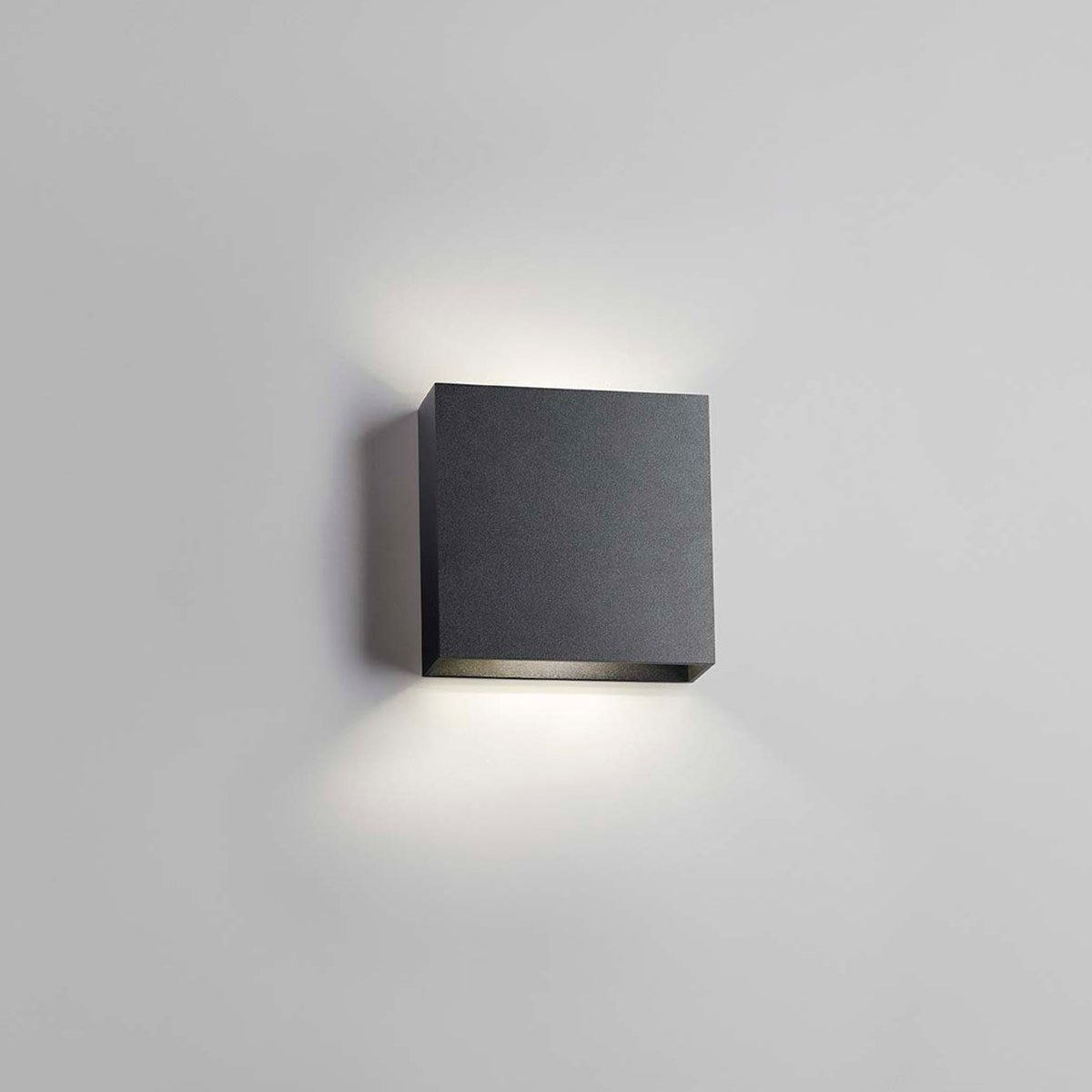 Compact vegglampe fra Light-Point