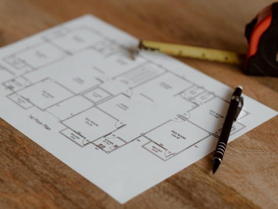 Plantegning av et nytt hus brukes som underlag til belysningsplan