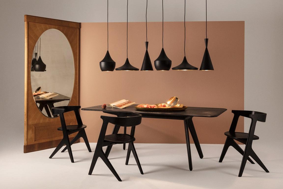 Interiør med lamper og møbler fra Tom Dixon