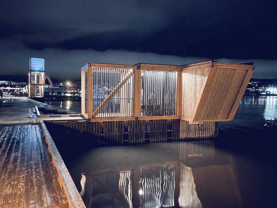 Belysning til Flyt stupetårn og badehus i Moss.